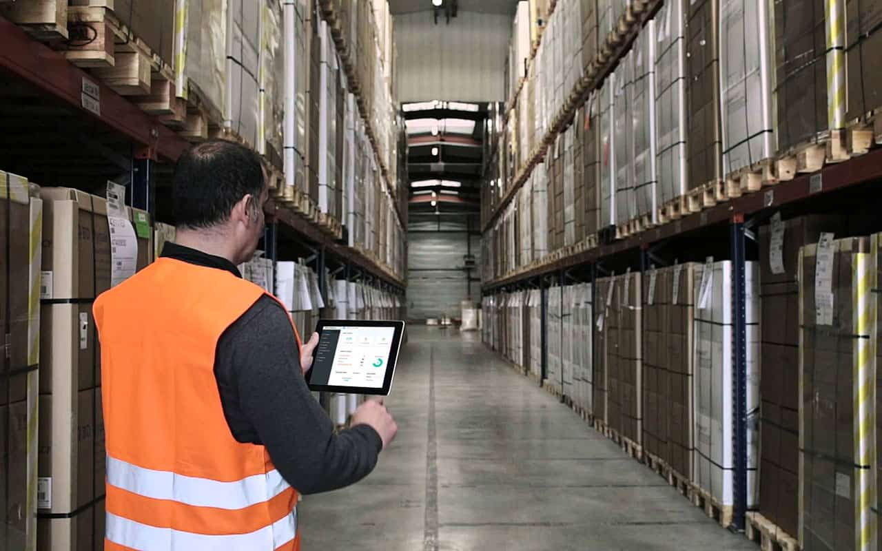 Improving inventory management is one of many benefits to field service software.